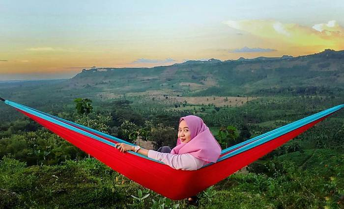 Pegunungan Kuwasen Tuban via @nurulfitriyaa