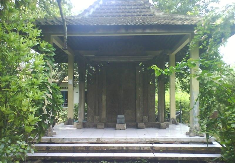 Pintu Gerbang Majapahit via kawasanpati.blogspot