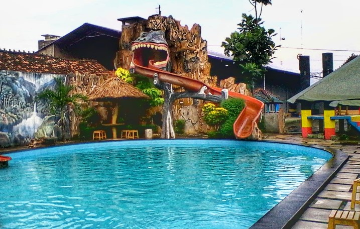 Waterboom Mulia Klambu via Infowisatagrobogan