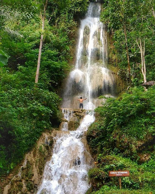 Air terjun Setawing via @muharrom.sy11