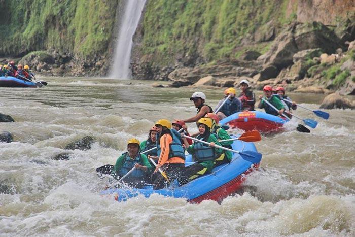 Arung Jeram Sungai Progo via Delandeso