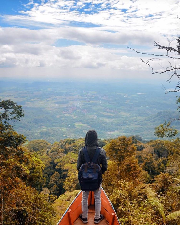Bukit Bintang Capar via @adatandi