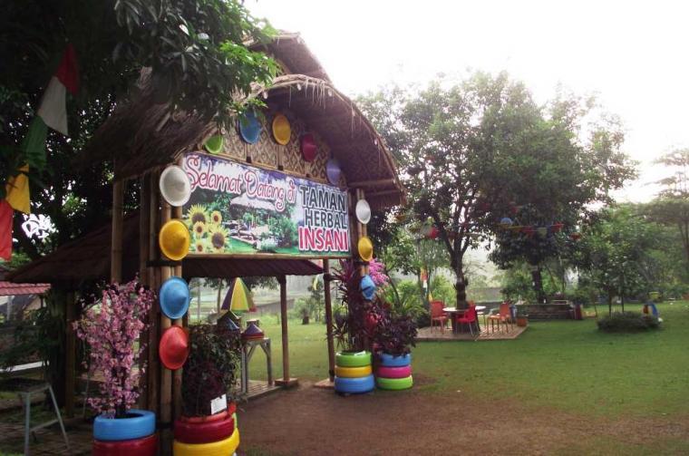 Gerbang Taman Herbal Insani via Kompasianacom