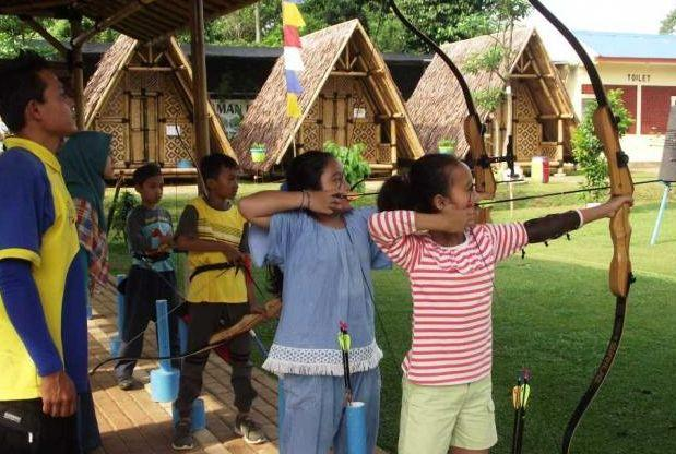 Kegiatan Memanah di Taman Herbal Insani via Wismanusantaraherbalcom
