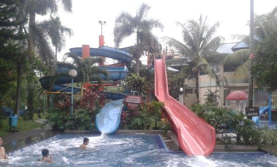 Mini Water Park Jakarta Barat via Tripadvisor