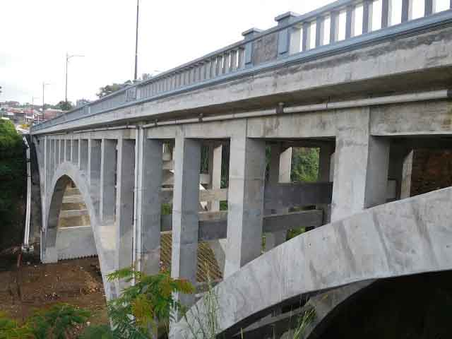 Ngopi di Jembatan Sigandul via Kaskus.co.id