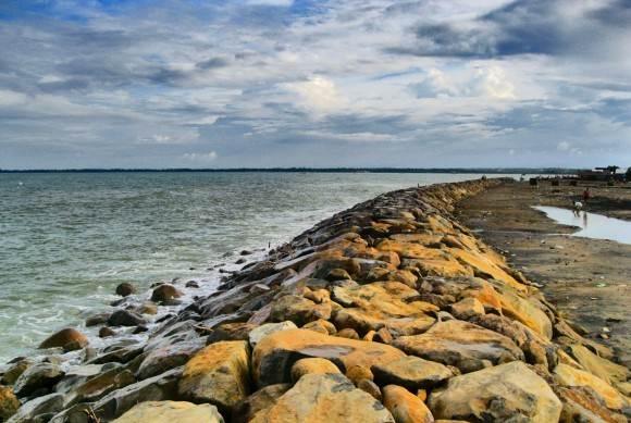 Pantai Arun via Kompas