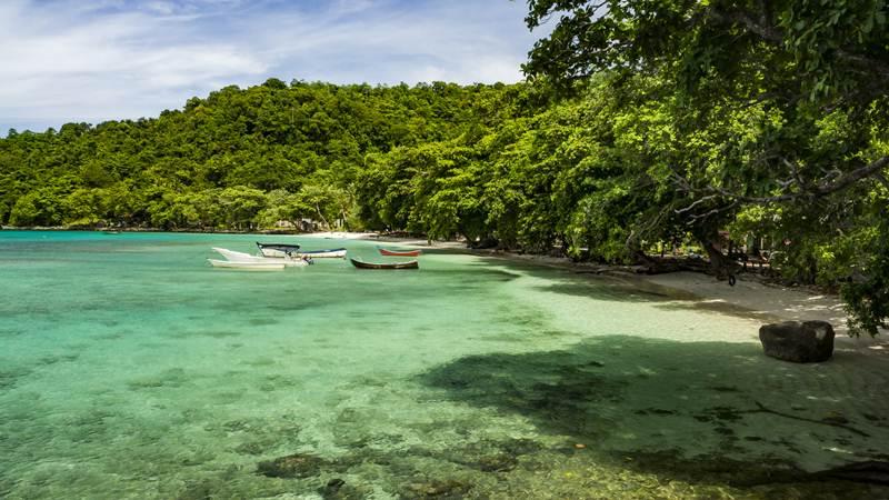 Pantai Gapang Foto oleh Julien Puyhardy