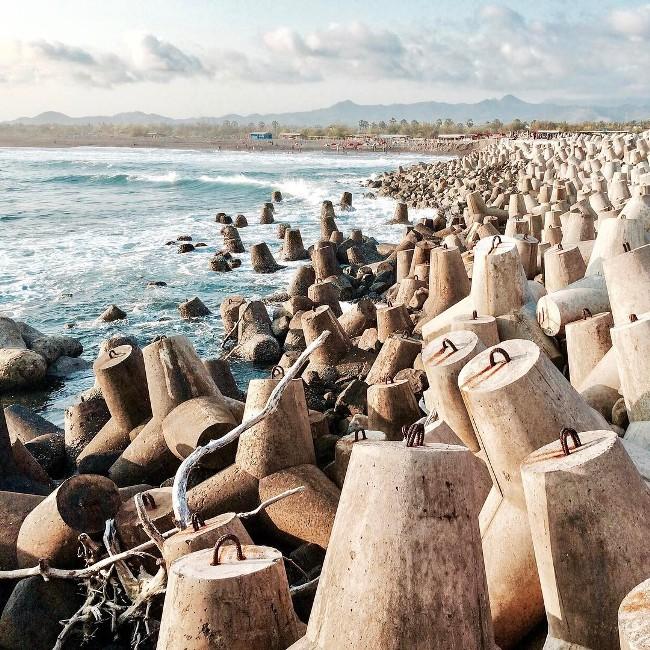 Pantai Glagah via @ronnysianturi__