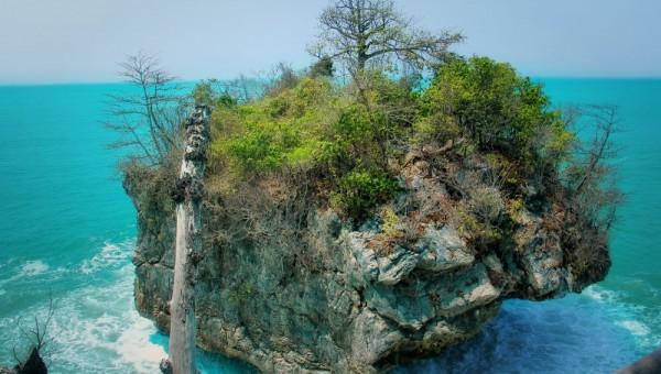 Pantai Karang Bokor via Lebakuniquecom