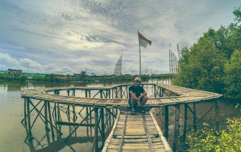 Pantai Pasir Kadilangu via @anto_juslisten