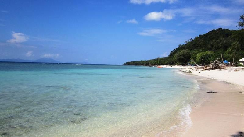 Pantai Pasir Putih via Insyiahacid