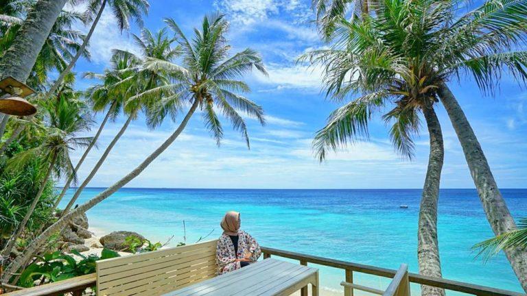 Pantai Sumur Tiga via @berangan_trip