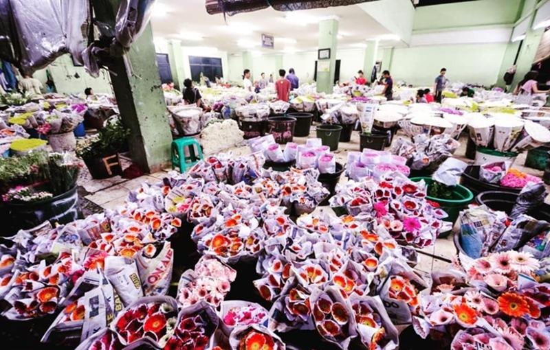 Pasar Bunga Rawabelong via @jakarta_tourism