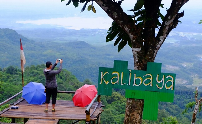 Puncak Gunung Lio via Bonvoyagejogja