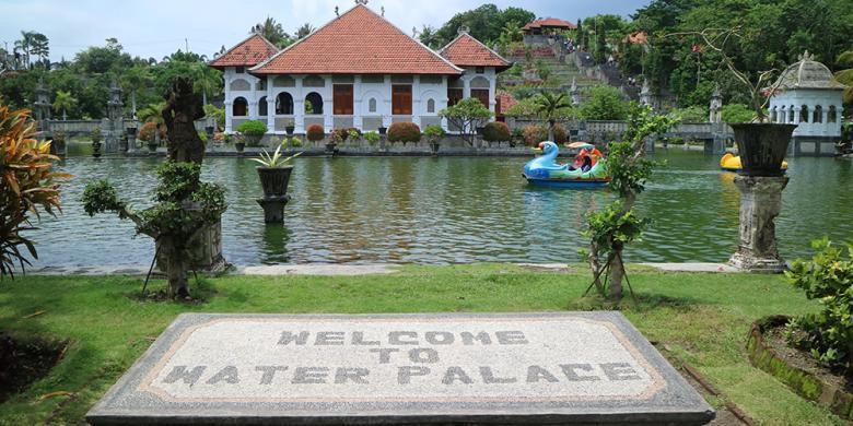 Wisata Air Taman Ujung Karangasem via Kompas