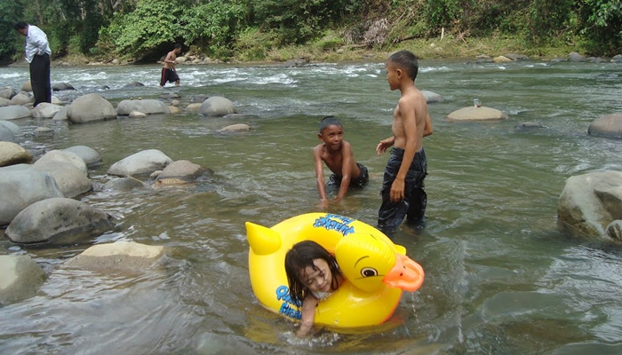 Krueng Simpo via Panoramiocom