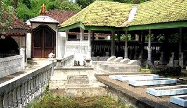 Makam Joko Tingkir via Solopos
