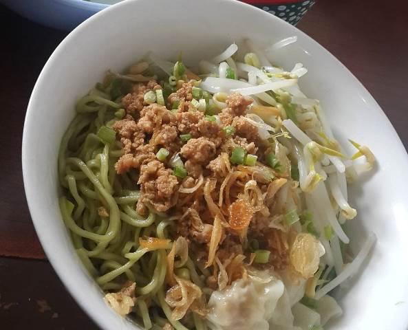 Mie Pangsit Cek Bireuen via Travelingyukcom