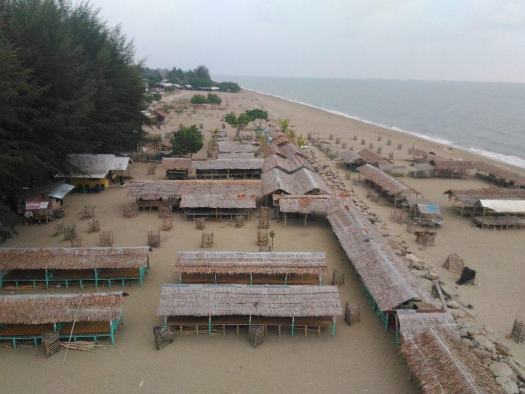 Pantai Kuala Raja via Steemitcom