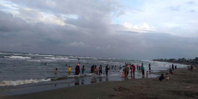 Pantai Ulee Jalan via Kompascom