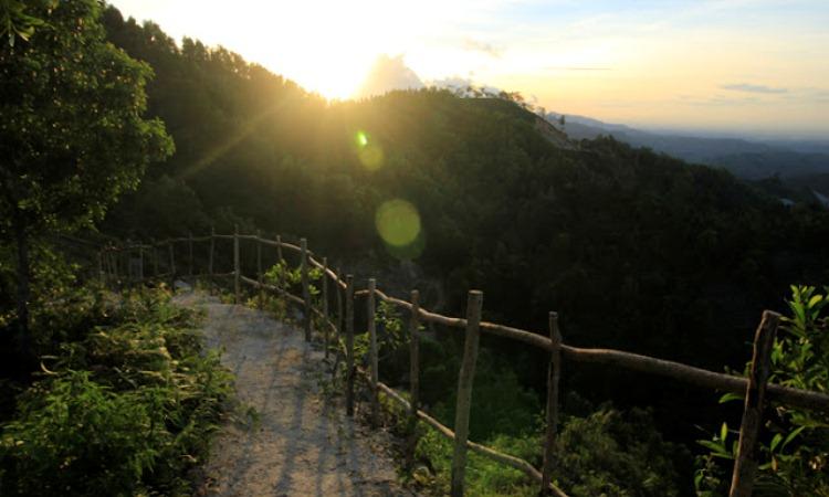 Bukit Icika via Melaluilensa
