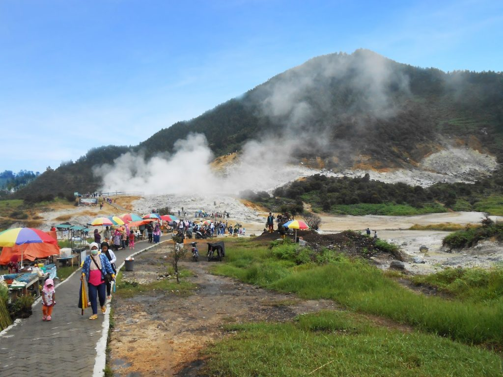 Kawah Sikidang Dieng via Northbackpackercom