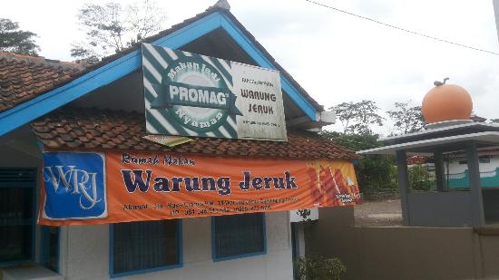 Rumah Makan Warung Jeruk via Tripadvisor