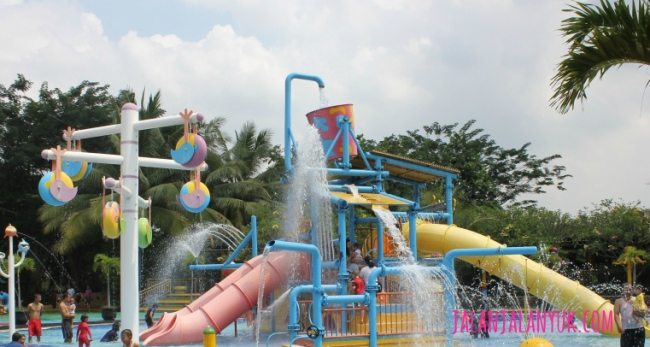 Splash Town via Jalanjalanyukcom