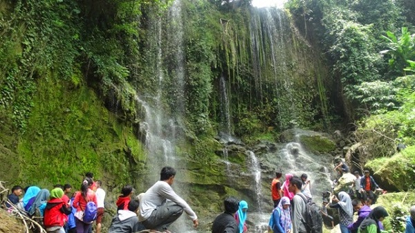Air Terjun Pasucen via rembanginfo