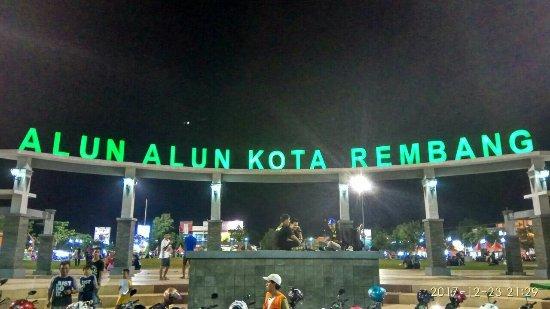Alun-alun Rembang via Tripadvisor