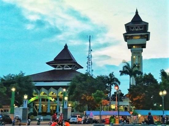 Masjid Agung Alun – Alun Rembang via Singgahkemasjid.blogspotcom