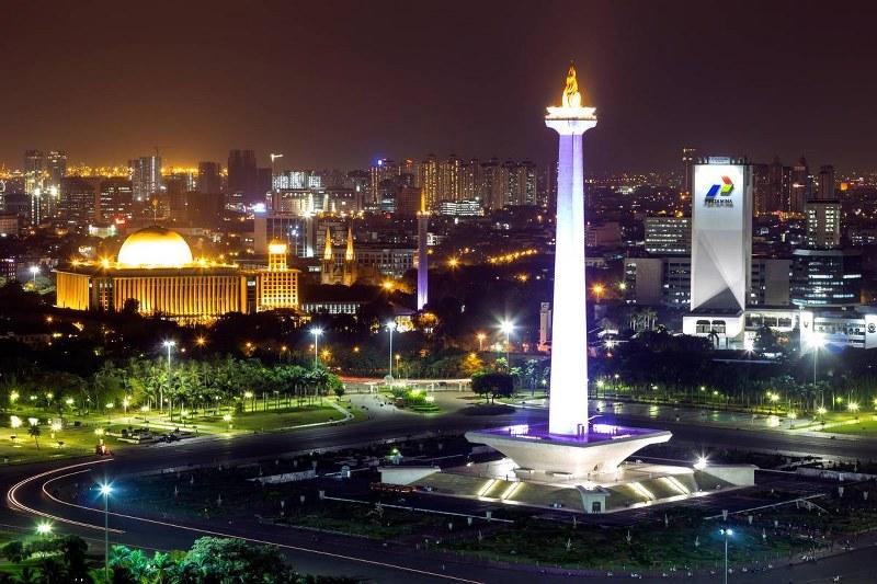 Melihat Pemandangan Ibu Kota