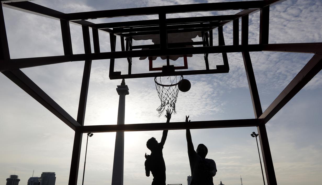 Olahraga di Monas via Bola