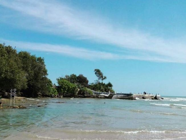 Pantai Badur via IG @khumairoelsyaf