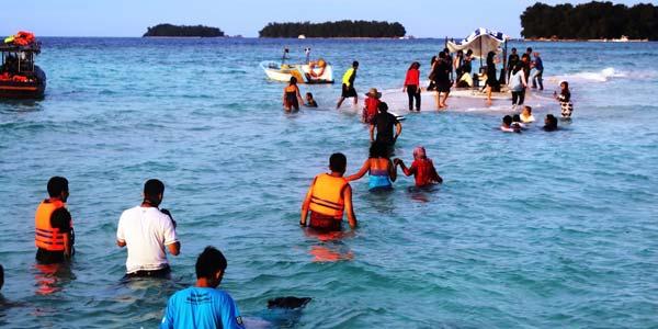 Pulau Karang Gosong via Inilah