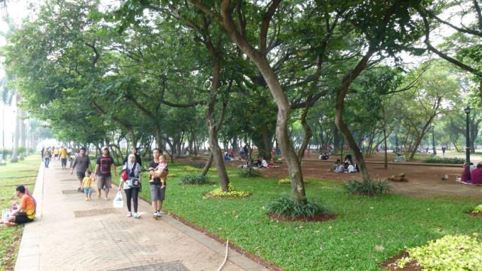 Rekreasi dan Menikmati Taman Monas via Moeslimchoice