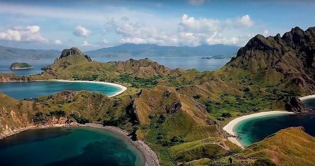 Singgah juga ke Pulau Padar via Youtube - Tempat Wisata di Manggarai Barat