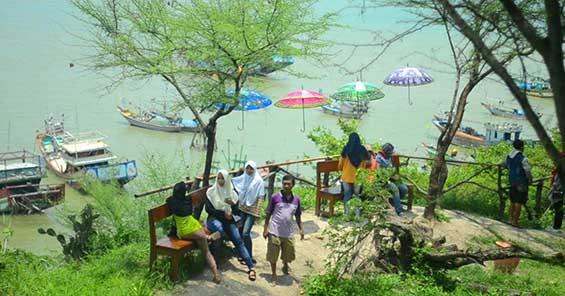 Watu Layar Rembang via Murianews