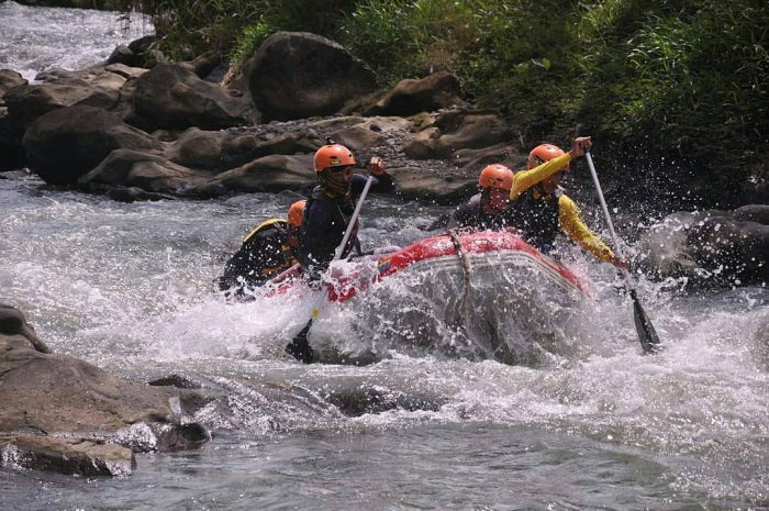 Arung Jeram Sungai Klawing via IG @iwan_ardiann