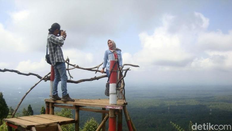 Bukit Mertelu via Detik