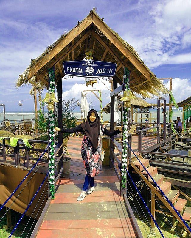Cafe Pantai Jodoh Spot Instagenic