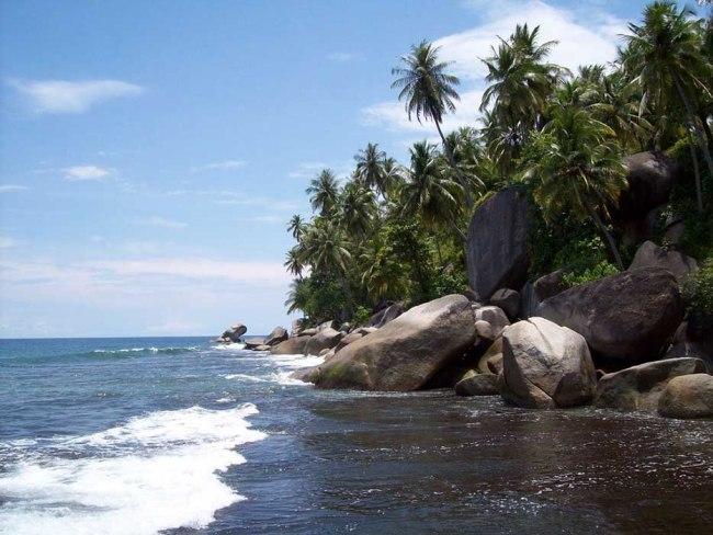Pantai Batu Berlayar Aceh