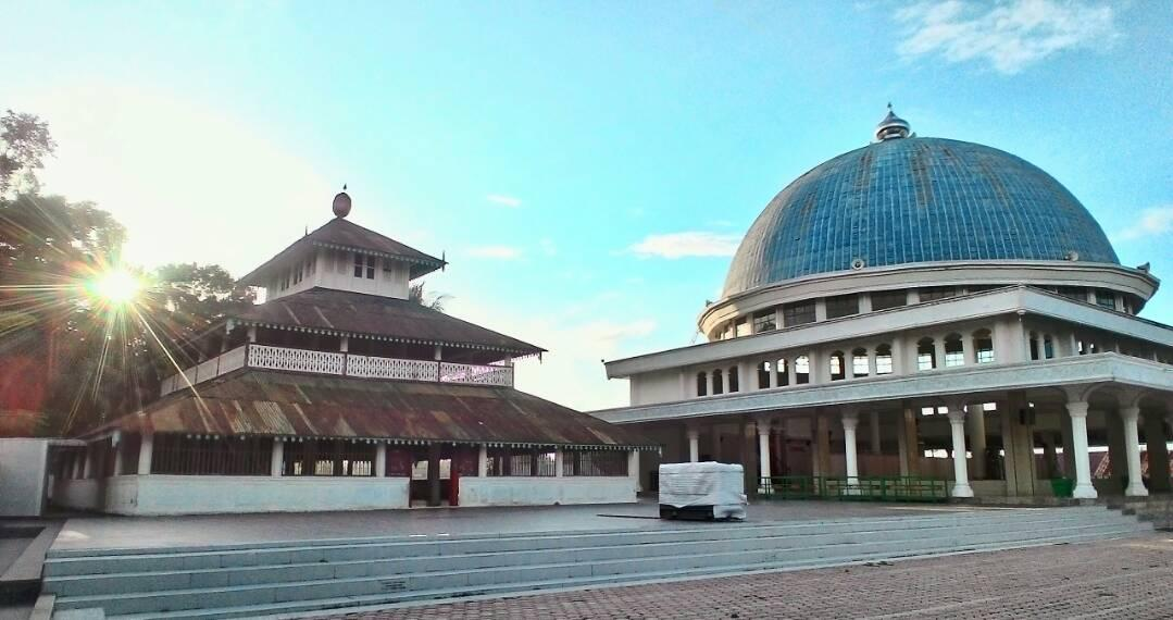 Masjid Po Teumeureuhom (Mutiara Barat)