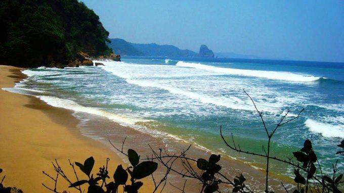 Pantai Baros
