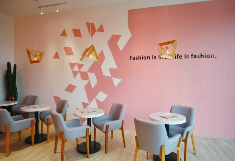 So Fashion Cafe via Aureliasiska.blogspotcom