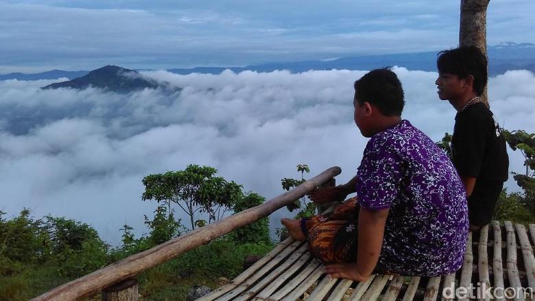 Bukit Banyon via Detik