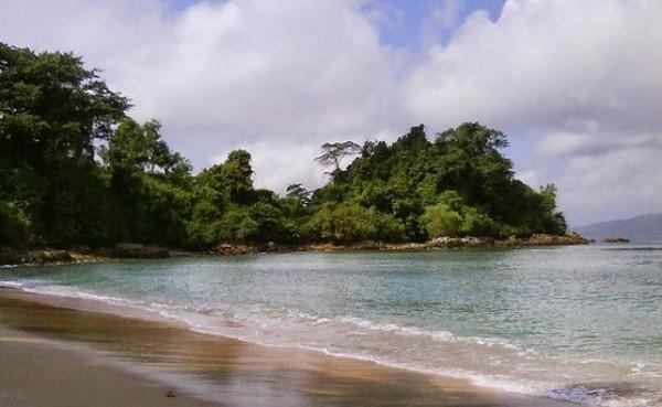 Pantai Ngulung Wetan