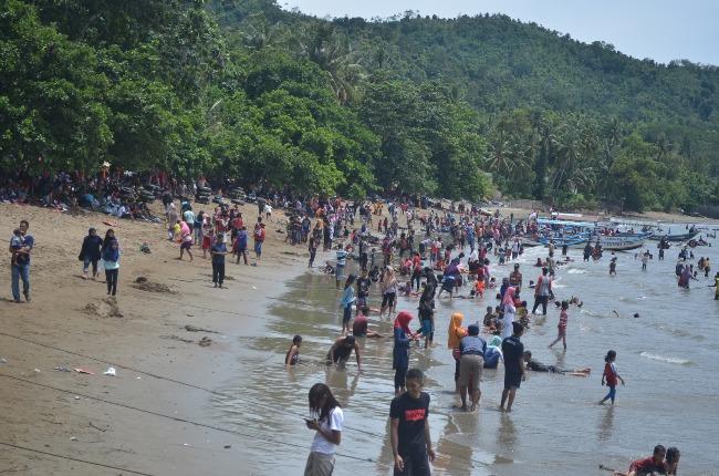 Pantai Simbaronce via Prigitrip