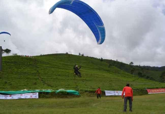 Bukit Paralayang via Kayangaanyarkabgoid